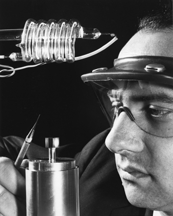 Bright Idea The First Lasers A History Of Discoveries